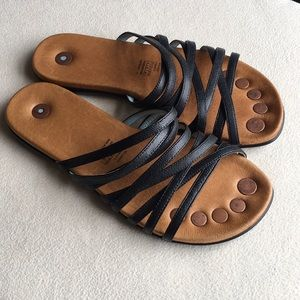 "Juil Brand ""Mojanda"" strappy flat sandals size 6"